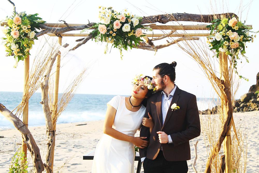 musica per matrimonio civile sposi in spiaggia durante il rito