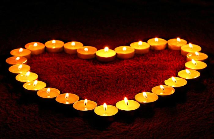 candele a forma di cuore